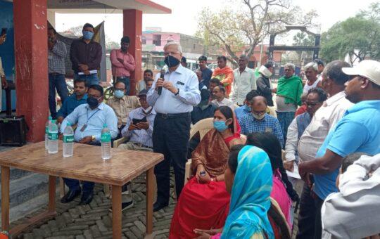 तीन सदस्यीय केंद्रीय टीम ने कालाजार प्रभावित गांवों का किया निरीक्षण
